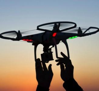 La nueva ley española sobre drones permitirá usarlos de noche y en zonas urbanas.
